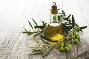 Azeite-de-oliva-Lubrificante-e-afrodisíaco